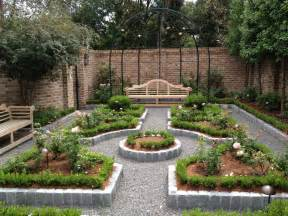 how to achieve and exciting garden decorating ideas