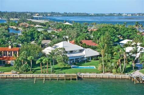 9 reasons why buy a second home in sarasota florida