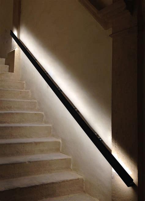 corrimano luminoso viabizzuno progettiamo la luce products