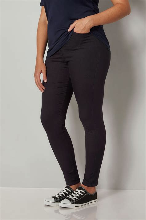 add background image to div black stretch plus size 16 to 28