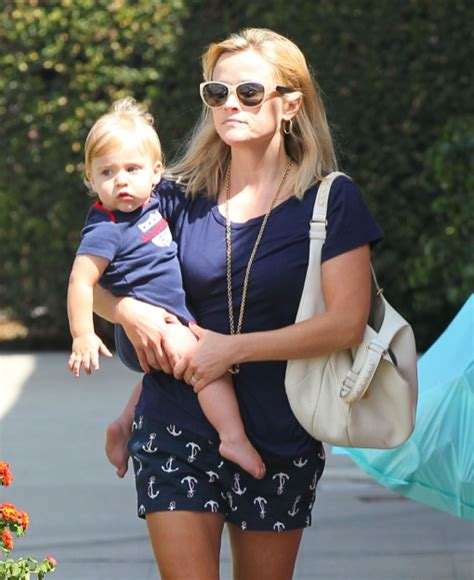 Reese Witherspoon Takes New Puppy Shopping by Reese Witherspoon Tennessee Shopping Duo