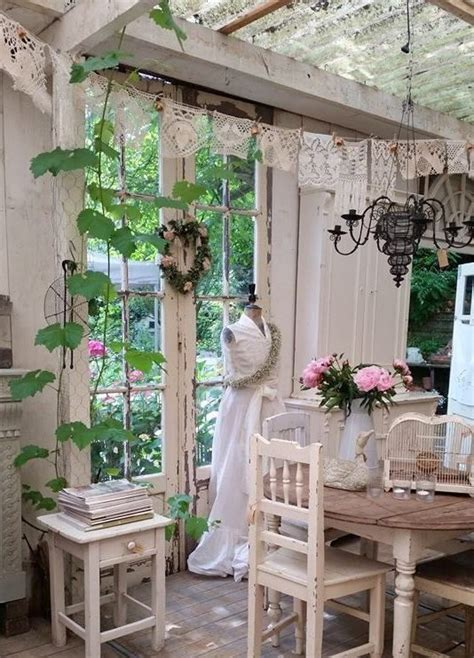 26 charming and inspiring vintage sunroom d 233 cor ideas digsdigs