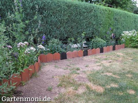 Garten Gestalten Mit Dachziegeln by Biberschwanz Dachziegel Als Beeteinfassung Gartenmoni