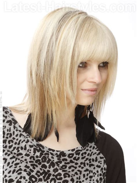 hair cut with a defined point in the back 21 beautifully layered hairstyles for medium length hair
