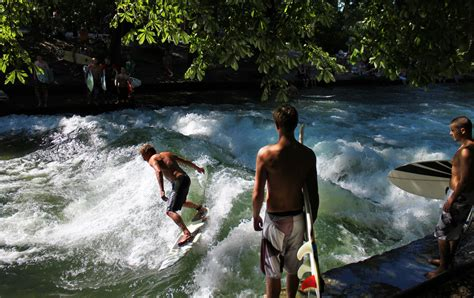 Surfer München Englischer Garten Adresse by River Surfing It S A Thing In Germany The Luxury Spot