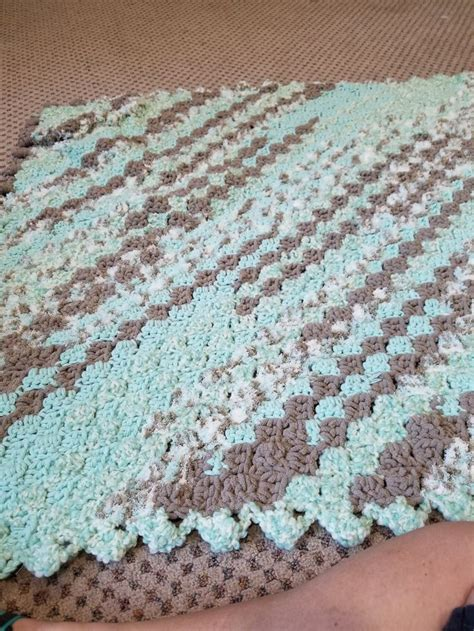 bernat afghan knitting patterns best 25 bernat baby yarn ideas on bernat yarn