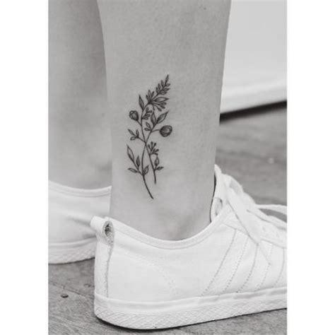 tatuaż na kostce kwiaty pomysły i wzory tatuaży dla