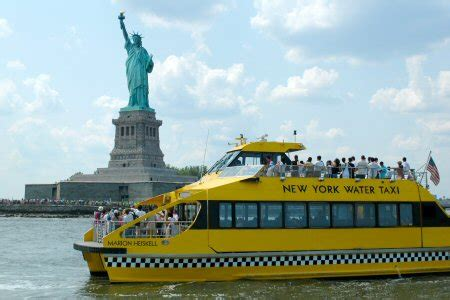 boat rides from new york to europe statue new york photo du monde
