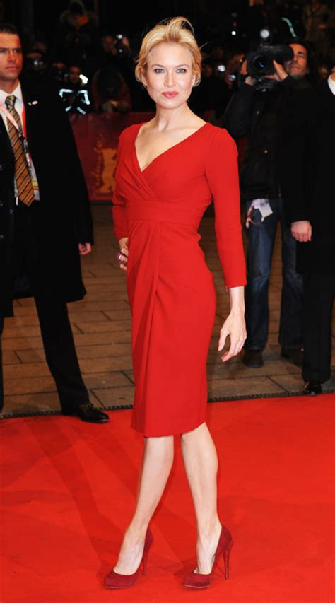 renee zellweger red carpet renee zellweger looks stunning on the red carpet for new