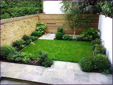 Square Grass Field For Easy Garden Ideas And Small Small Square Garden Ideas