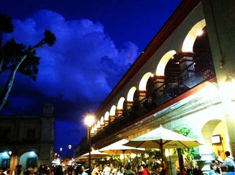 zocalo night oaxaca zocalo at night my life in mexico pinterest