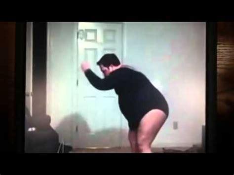Video of man dancing to single ladies