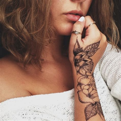 tatuaggi femminili fiori 1001 idee per tatuaggi femminili disegni da copiare