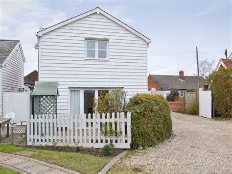 Cottages In Colchester by Baytree Cottage 2 In Colchester Selfcatering Travel