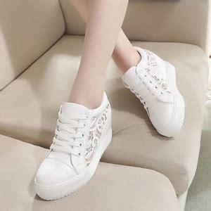 Sepatu Wedges Wanita Warna Putih sepatu ryn fashion