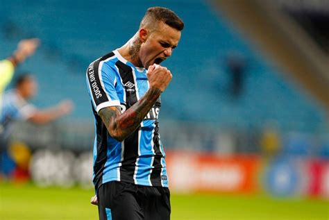 Cq Live Liverpool Bold Microzine by Liverpool Offer 163 30m For Gremio S Luan Say Futebol Da Gaucha