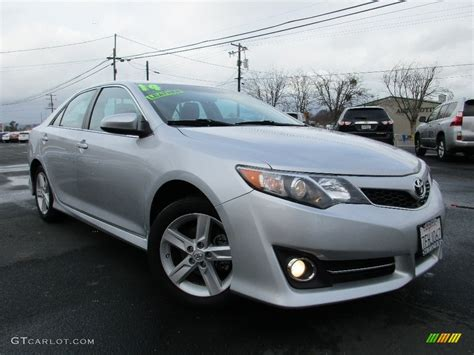 2014 Toyota Camry Silver 2014 Classic Silver Metallic Toyota Camry Se 110911634