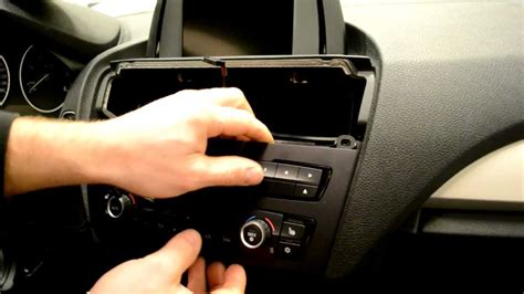 Bmw 1er F20 Idrive Nachrüsten by Bmw F20 Radio And Idrive Screen Removal 1 Series