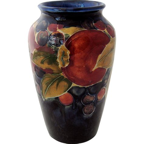 moorcroft pomegranate vase potter to the from