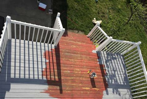 refinishing my back deck with olympic maximum stain and then we tried