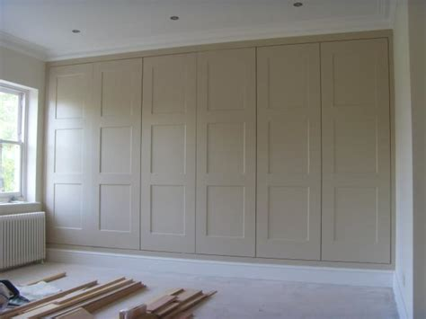 Ideas For Built In Wardrobes by Best 25 Fitted Wardrobes Ideas On Fitted