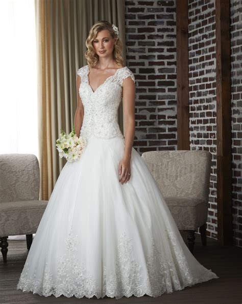 classic wedding dresses for a traditional ceremony ohh my my