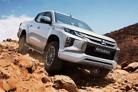 2019 Mitsubishi L200 by New 2019 Mitsubishi L200 Facelift Arrives With New Look