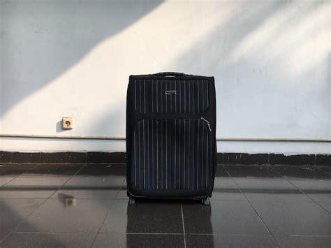 Gembok Ukuran Sedang menyewakan koper 24 inch sedang medium di toko spotsewa daerah spotsewa