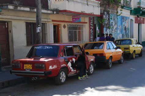 Cuba Lada Parked Cuba Lada 1200 Racer Startinggrid