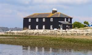 the house mudeford the black house mudeford spit 169 mike smith cc by sa 2 0