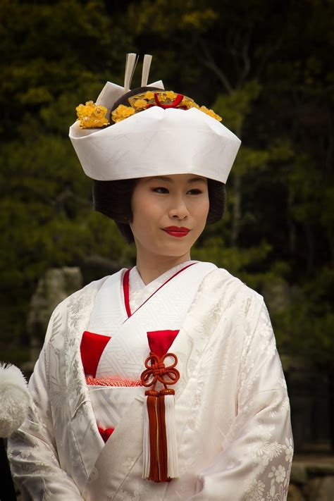 Wedding Hairstyles Japanese by A Traditional Japanese Wedding In Miyajima