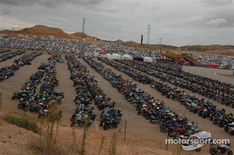 Motorradrennen Tickets 2019 by Parking Motorland Aragon Op Aragon Gp Motogp Foto S