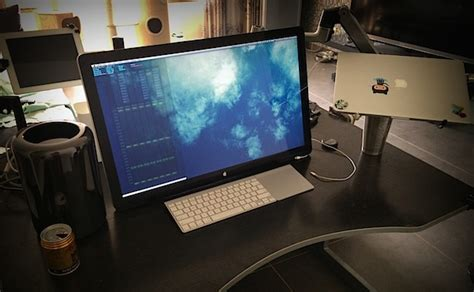 Programmer Desk Setup Mac Setups Mac Pro With Swivel Mounted Apple Cinema 27 Display
