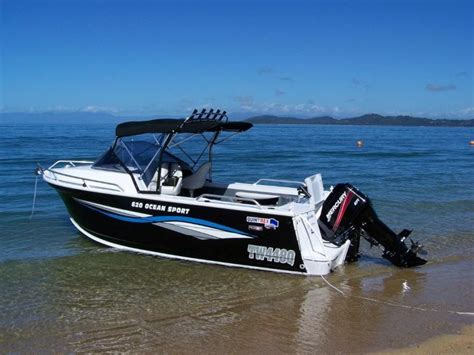 boat crash last night police investigate tweed heads boat crash echonetdaily