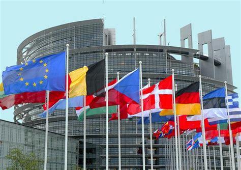 sedi istituzioni europee europee tre sedi e 8000 dipendenti tutti i numeri