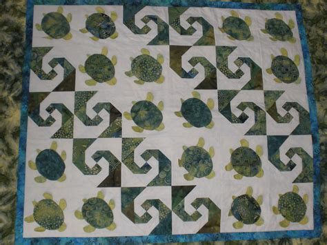Turtle Quilt Pattern Free by Baby Honu Quilt Finished Threadtails