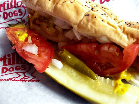 chicago dogs file chicago style jpg wikimedia commons
