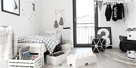 chambre enfant en noir blanc