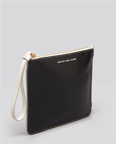 lyst marc  marc jacobs wristlet   zip pouch
