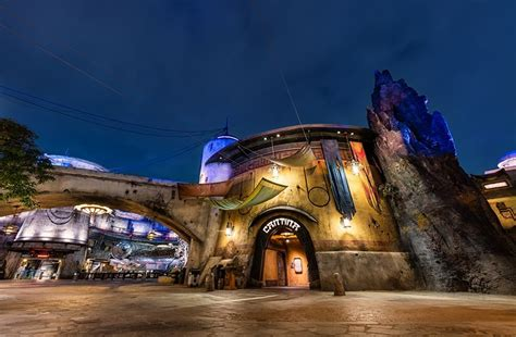 review ogas cantina bar  star wars land disney