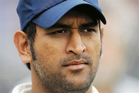 ms dhoni wants indian bowlers to use their brains