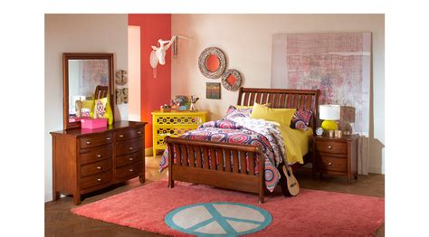 santa cruz bedroom furniture santa cruz cherry 5 pc full sleigh bedroom