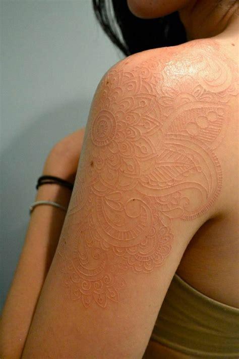 henna tattoo farbe dm henna muster auf 59 handgemachten kunstwerken archzine net