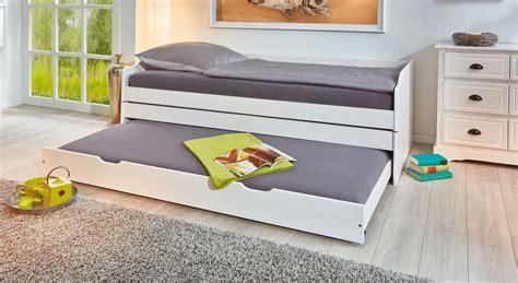 funktions bett funktionsbett aus massiver kiefer mit drei schlafpl 228 tzen