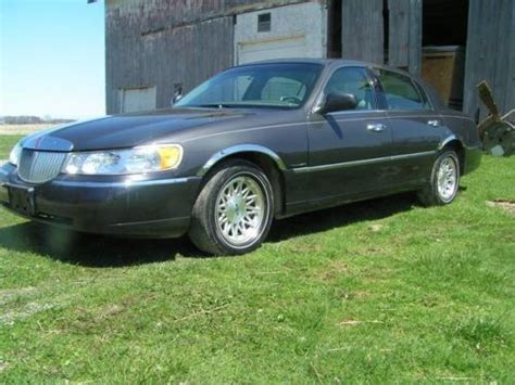 how cars run 1998 lincoln town car user handbook purchase used 1998 lincoln town car signature sedan 4 door 4 6l in bellevue ohio united states