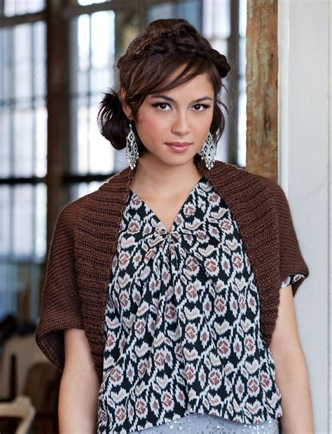 simple pattern bolero stylishly simple shrug allfreeknitting com