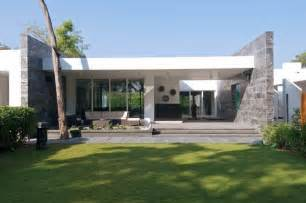 Modern Bungalow House Design Stylish And Modern Dinesh Mills Bungalow By Atelier Dnd