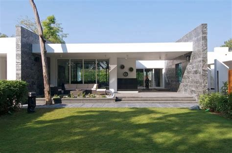 Contemporary Bungalows by Stylish And Modern Dinesh Mills Bungalow By Atelier Dnd