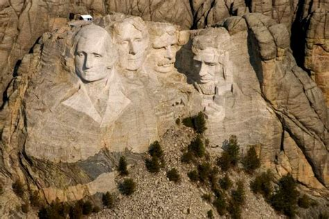 hidden room behind mount rushmore a special room lies behind abraham lincoln s head at mount