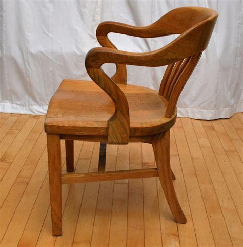 Tribute 20th Decor: 1940's Oak Desk Chair